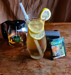 PURE PEPPERMINT ICED TEA WITH LEMON